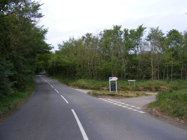 B1078 at the junction with  Valley Road