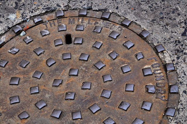 Millfield Foundry manhole cover, Belfast (2)