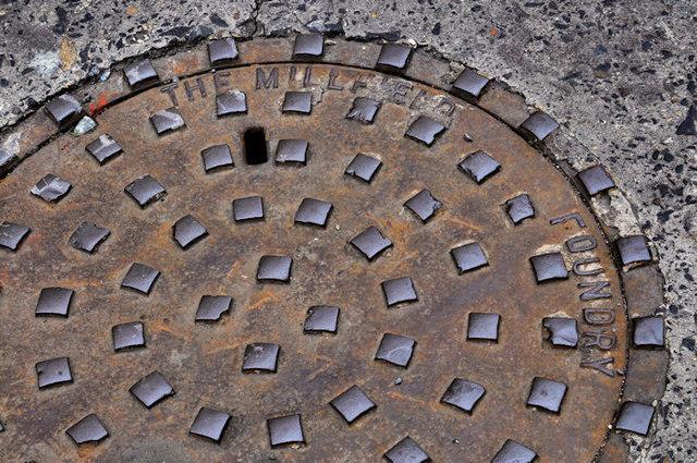 Millfield Foundry manhole cover, Belfast (2)