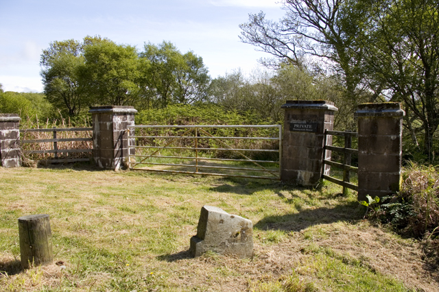 Private entry to Duntaynish