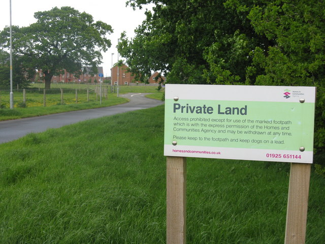Footpath at Stretton, looking to new housing at Henbury Gardens