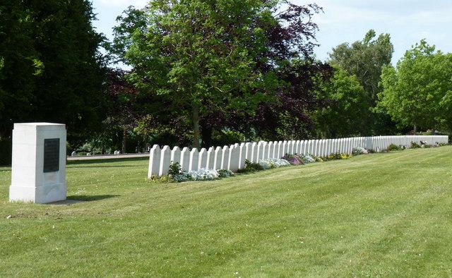 Graves of people killed in Bath air raid 1942