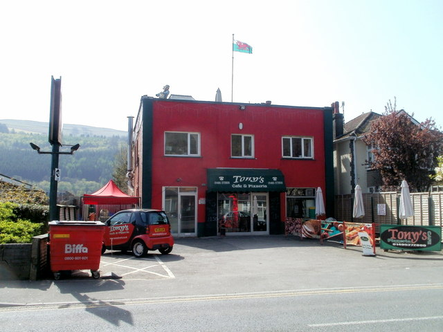 Tony's, Crosskeys