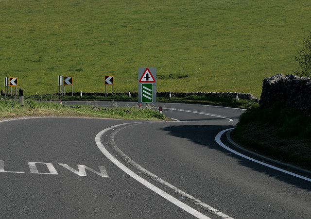 Double bend in the A623
