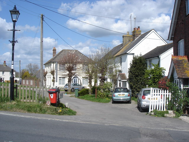 Upper Beeding - houses near the river