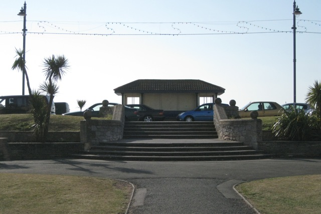 Steps from the Den to the Promenade