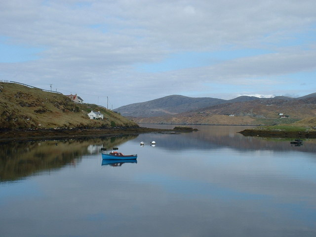 Narrows at entrance to Sgalpaigh North Harbour, Harris