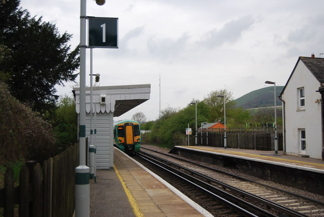 Lewes train leaving Glynde Station