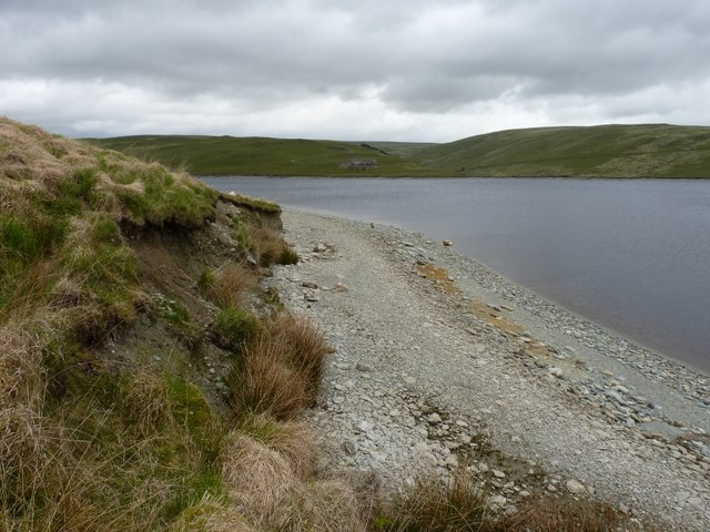 Shoreline on the southern side of Claerwen reservoir