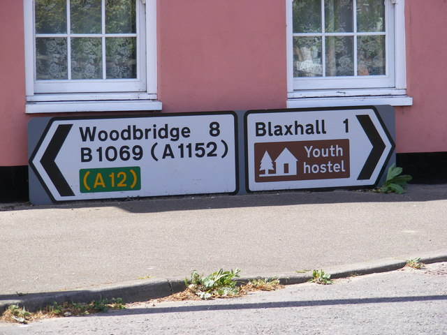 Roadsigns on the B1069 Woodbridge Road