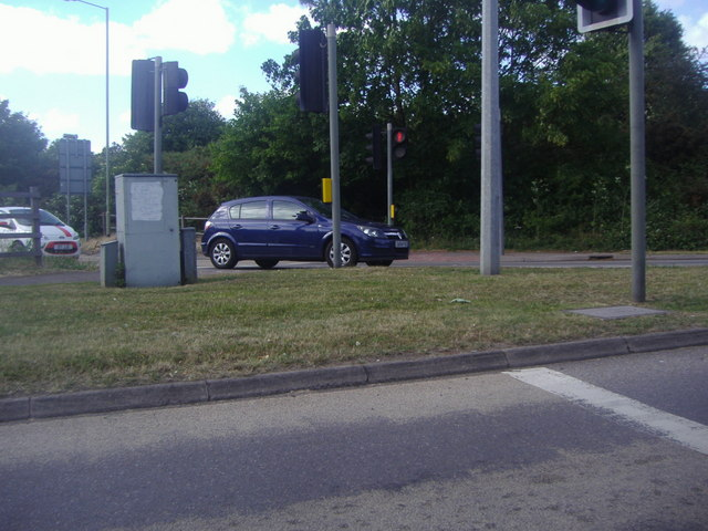 Traffic lights from A329 on Coppid Beech roundabout