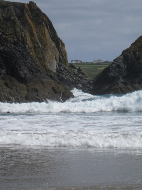 Kynance Cove - violent waves and currents
