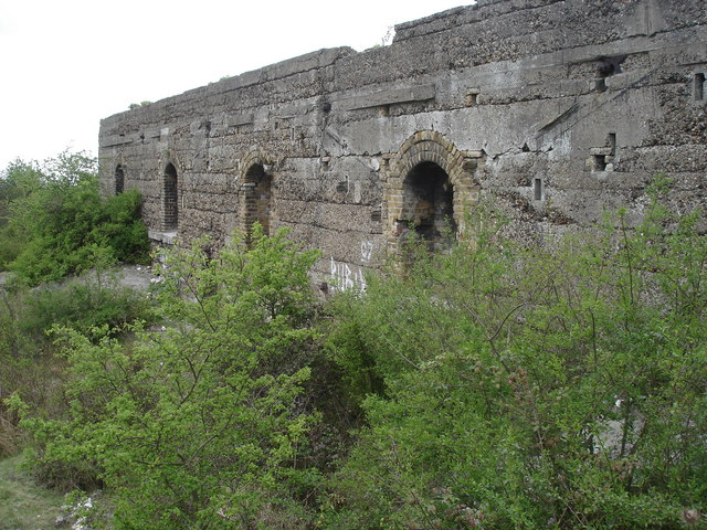 Fortifications to the NE of Cliffe Fort