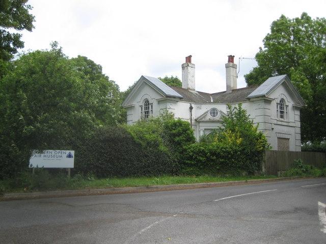 Chalfont St Giles  Newland Park Lodge  U00a9 Nigel Cox Cc