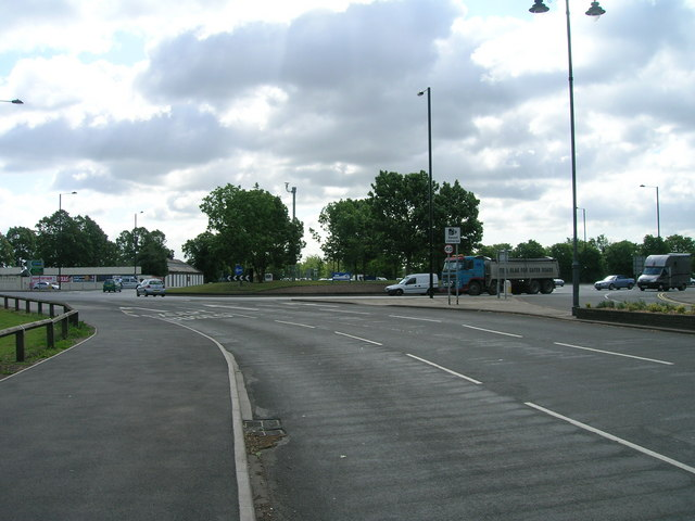 South Parade, Doncaster approaching roundabout