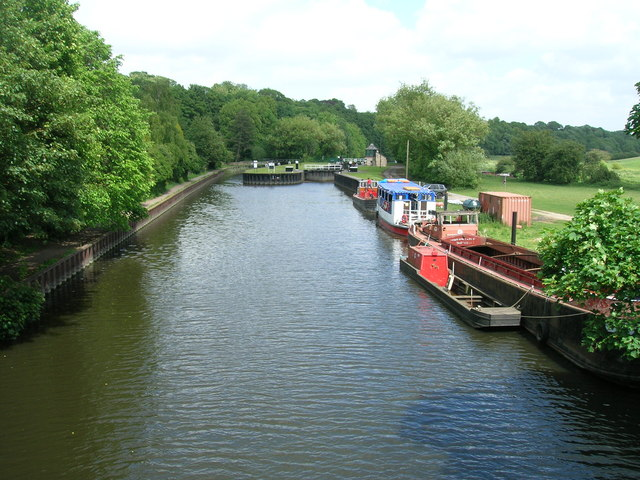 River Don looking east towards the lock, Sprotbrough