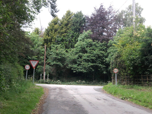 Entering A4103 from Weston Baggard