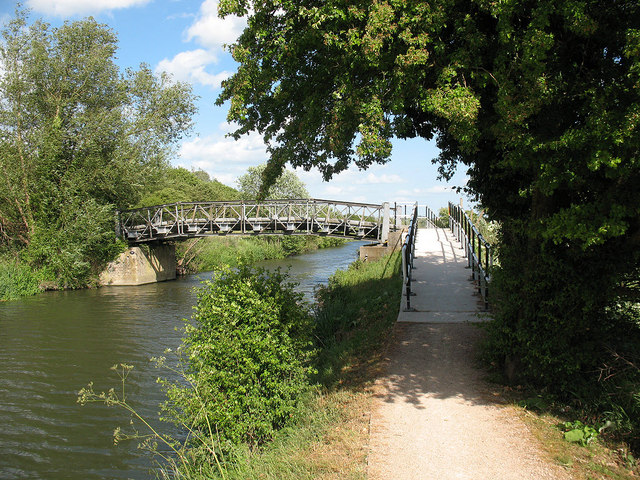 Footbridge over the Stort Navigation
