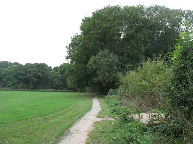 Footpath on the west side of Petts Wood Recreation Ground