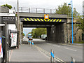 Dist:0.2km<br/>The rail bridge over Station Road at Queensferry.