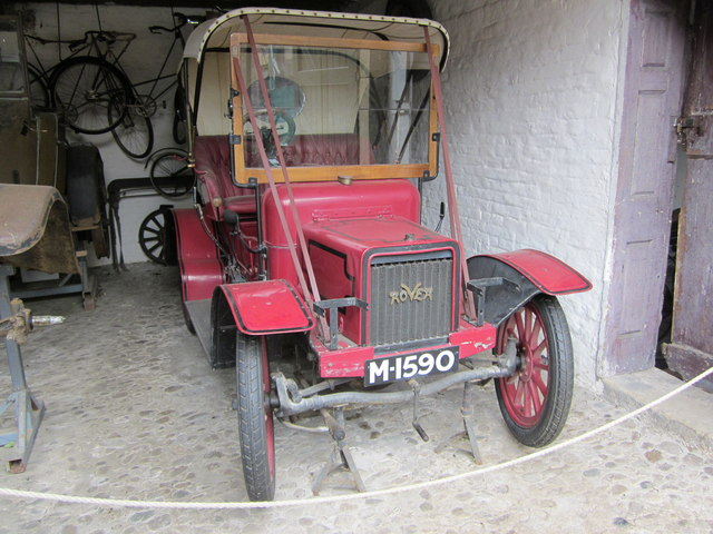Antique car at Erddig Hall