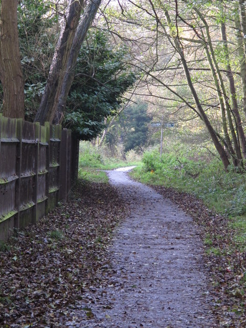 Footpath west of Heath Side, BR5