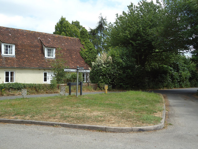 T junction, Bures Green