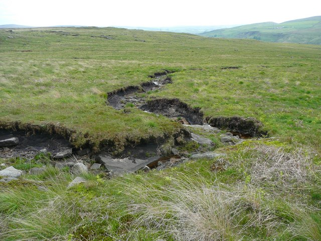 Wiggly stream through the peat, Walsden Moor