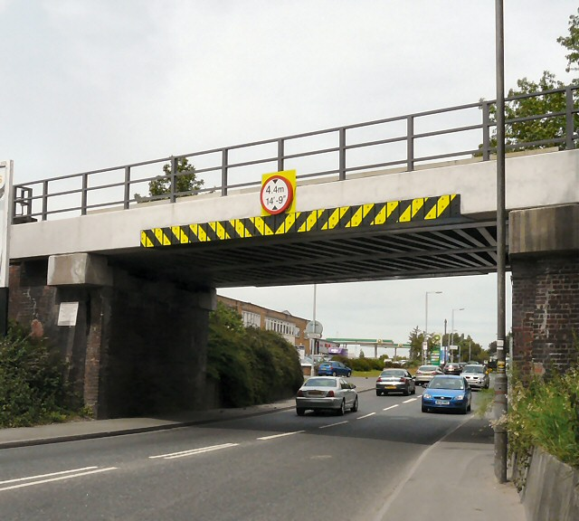 Ashton Road railway bridge