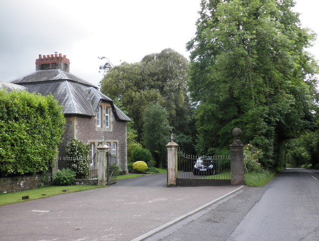 Gatehouse entrance, Lyston House