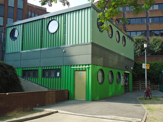 "The ""Green Box"": Portsoken Community Centre"