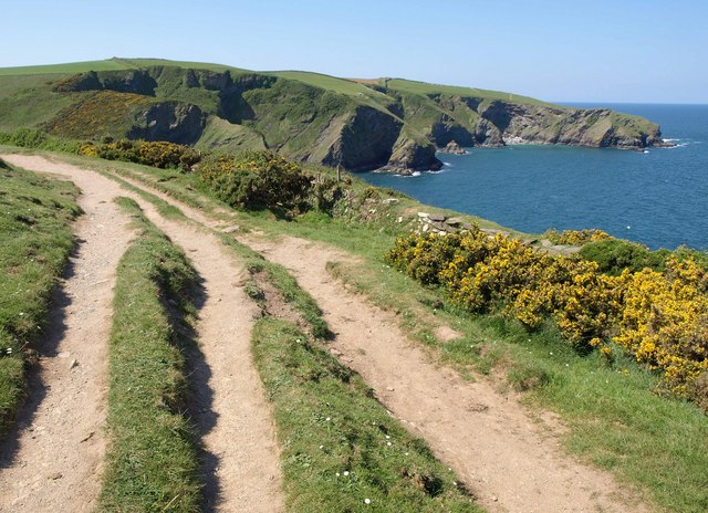 Coast path west of Lobber Point