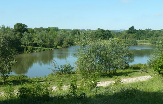 Lake in Holmebrook Valley Park