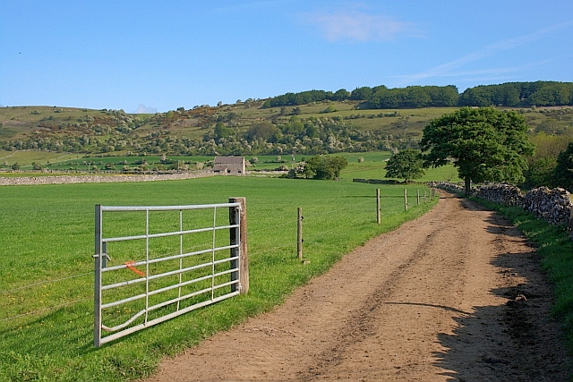 Track and Public Footpath to Longstone Edge
