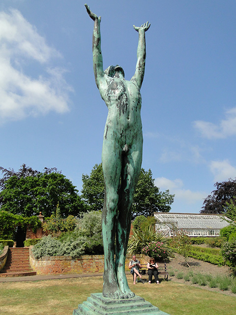 Bronze sculpture at Fritton Lake