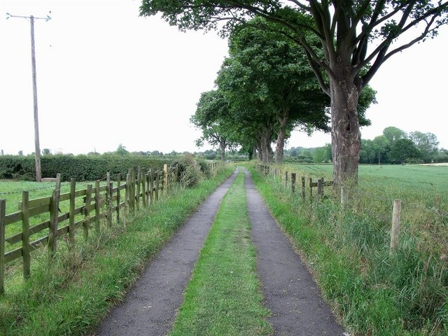Farm road on the old track to Repton