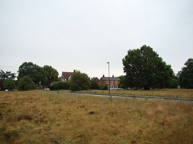 Houses on the path off Watts Lane