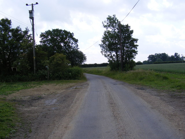 Hall Road, Bedingfield