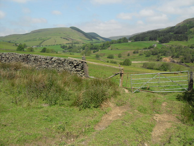 Public footpath at valley of the River Ashop near Alport Bridge