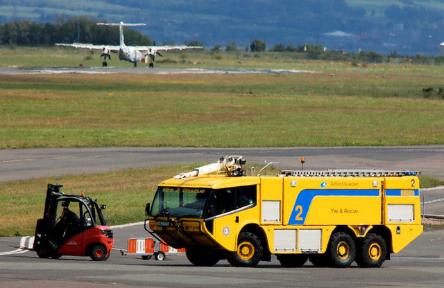 Airport fire appliance, Belfast (2)