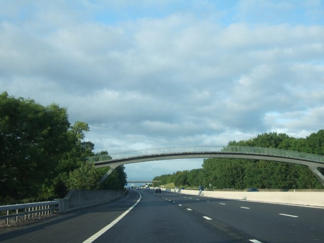 Footbridge over M5 south of Staplehay