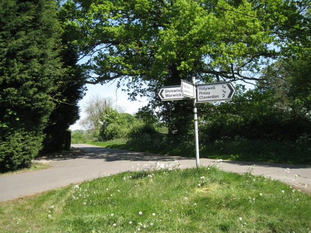Road junction, High Cross