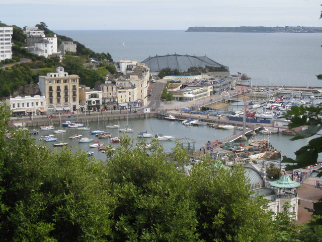 Torquay inner and outer Harbours