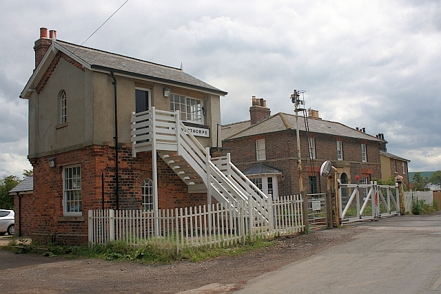 Weaverthorpe Signal Box and Crossing