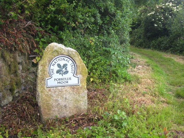 Footpath onto Porkellis Moor