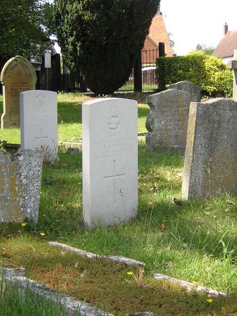 Roxton churchyard: war graves