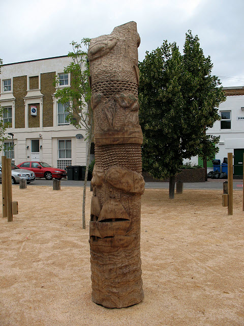 Fordham Park: carved pole