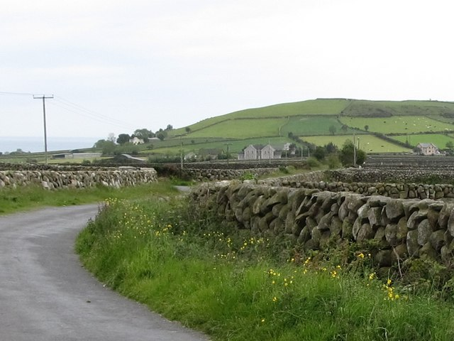 Approaching the junction of the Leitrim and Aughnahoory Roads