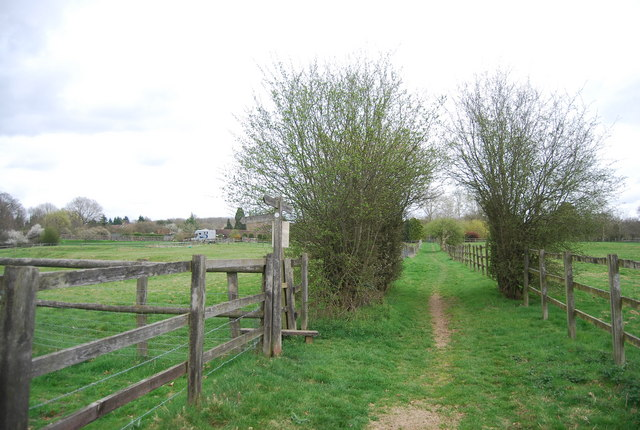 Footpath junction near Nowhurst Farm, West Sussex Literary Trail