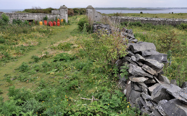Drystone wall, Lighthouse Island (1)
